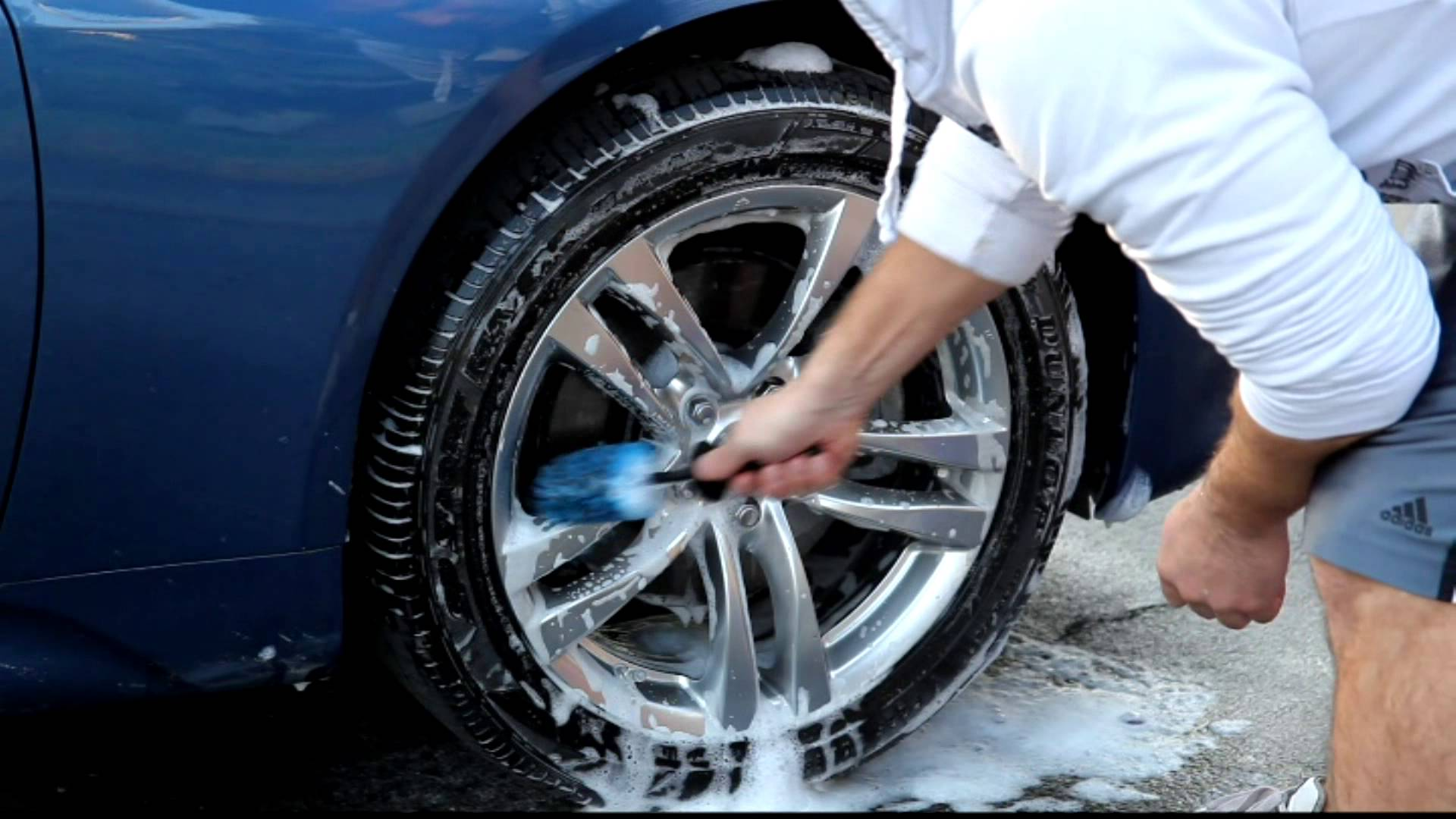 How to Clean Car Wheels